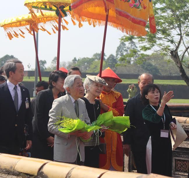 Nhà vua và Hoàng hậu Nhật Bản thăm Đại nội Huế