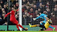 """Phủ đầu ấn tượng, Liverpool """"đánh gục"""" Arsenal"""