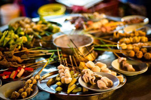 Người Hà Nội nghèo nhưng ăn sáng rất 'chịu chơi, chịu chi'?