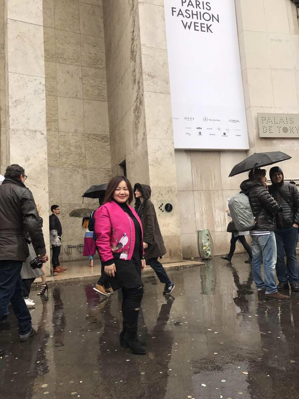 Tuần lễ thời trang Paris, Trang Lê