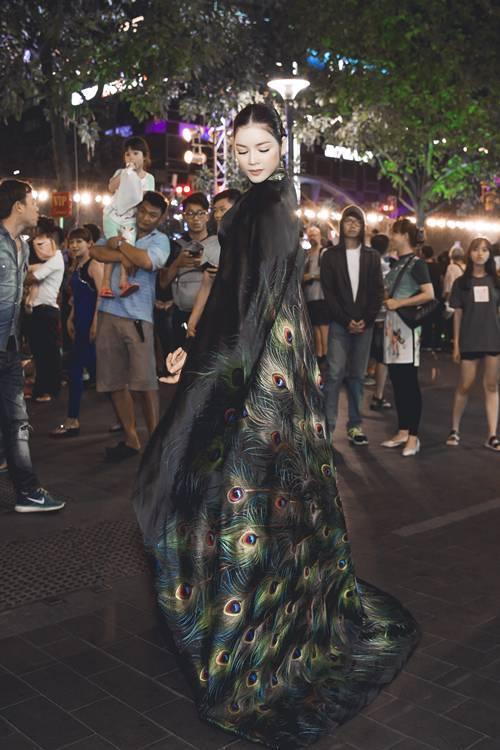 Hà Hồ, Lệ Quyên, Lý Nhã Kỳ, Hà Hồ, Tuần lễ thời trang Milan, Lễ hội áo dài