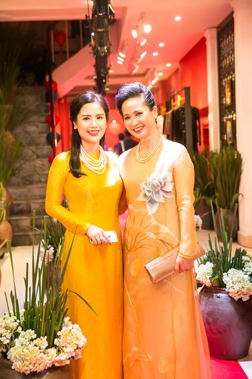 NSND Lan Hương,  Lan Hương, diễn viên Lan Hương