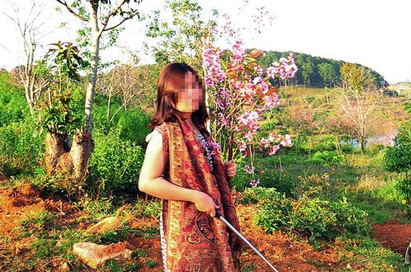 nữ phó giám đốc sở bẻ hoa, Phạm Thị Minh Hiếu, nữ phó giám đốc, bẻ hoa