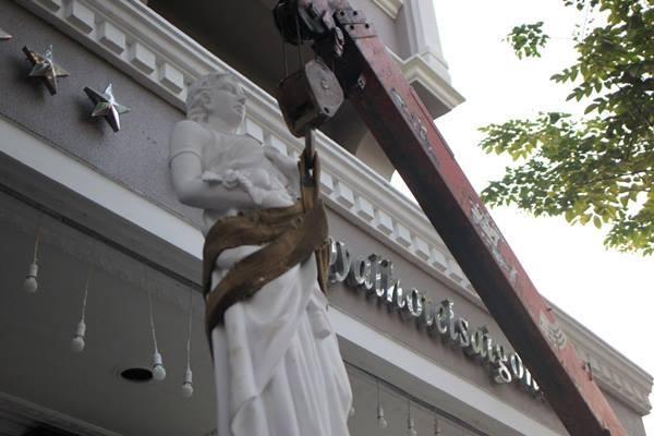 Quận 1 cẩu tượng của khách sạn 4 sao trên phố Nguyễn Huệ