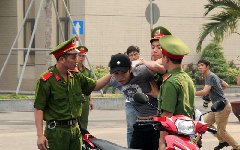 Cướp táo tợn ở vùng ven Sài Gòn