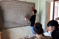 """Trở thành """"thầy giáo"""" của gần 200 học sinh sau 10 lần cai nghiện"""