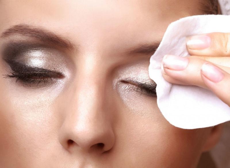 Tẩy trang đúng cách và những bước tẩy trang an toàn cho da
