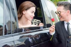 Đàm Vĩnh Hưng: 'Tôi vẫn thường được tặng hoa và quà ngày 8/3'