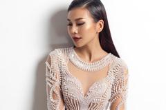 Siêu mẫu Thanh Hằng khoe đường cong tuyệt mỹ