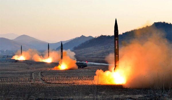 Tổng thống Trump, Kim Jong Un, nhượng bộ, tên lửa, Triều Tiên, đàm phán. đối thoại