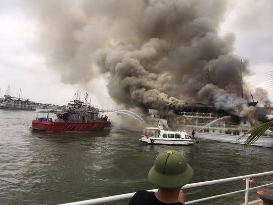 6 tàu du lịch bị chấm dứt hoạt động trên vịnh Hạ Long
