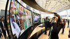 Cách phòng nguy cơ bị theo dõi qua smartphone, TV thông minh