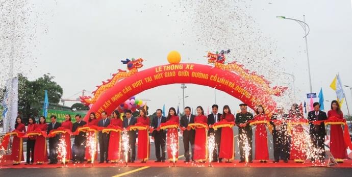 Hà Nội thông xe cầu vượt trăm tỷ ở nút giao Cổ Linh