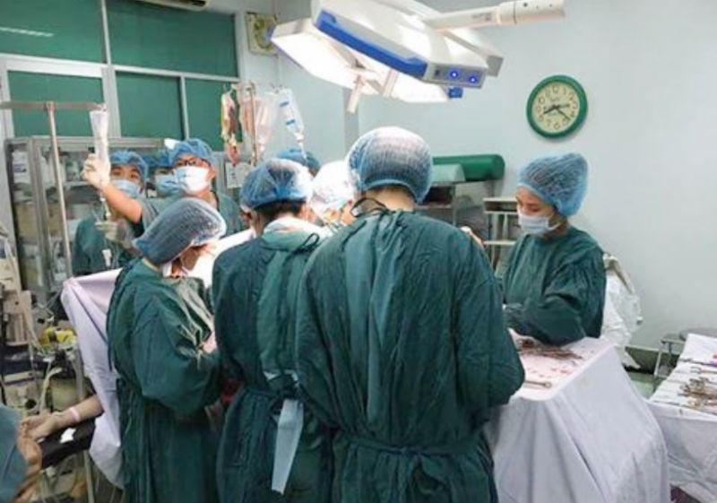 thai phụ, nguy kịch, vỡ tử cung, Bệnh viện Trưng Vương, hợp sức