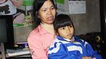 Cha mẹ ly dị, con quằn quại đau đớn trong bệnh tật