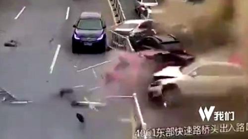 14 ô tô đâm kinh hoàng vì xe tải chở xi măng hỏng phanh
