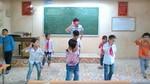 """Thầy giáo dạy học sinh tiểu học nhảy dễ thương """"đốn tim"""" dân mạng"""