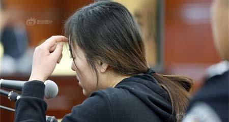 Nhờ bạn tốt tiêm chất làm căng da mặt, cô gái trẻ bị mù luôn mắt trái