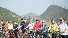 Đại sứ Mỹ đi xe đạp khám phá Hà Giang