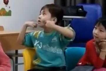 Bé 4 tuổi nhảy 'Bống bống bang bang' như vũ công chuyên nghiệp