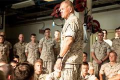 Quân đội Mỹ đau đầu vì ảnh khỏa thân