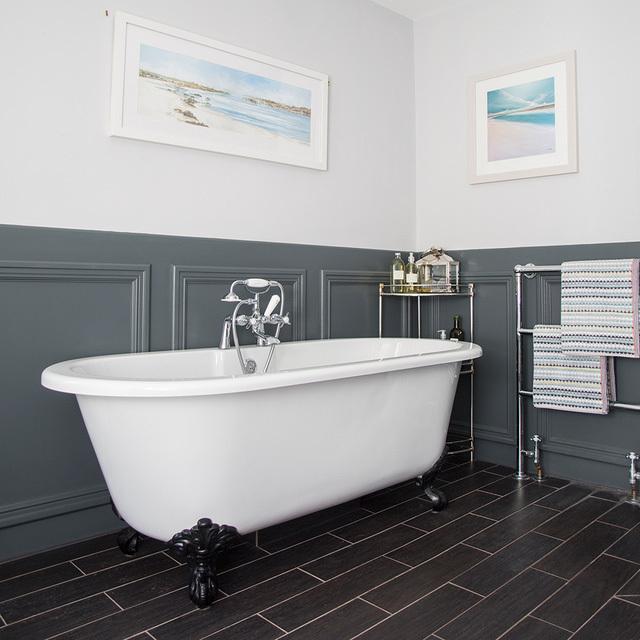 Ai cũng mơ có một phòng tắm phong cách cổ điển tuyệt đẹp như gia đình này