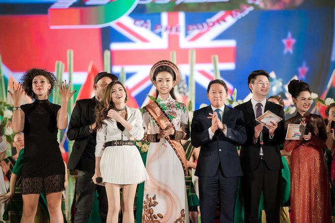 Phùng Ngọc Bảo Vân, hoa hậu, người đẹp, lễ hội cà phê Tây Nguyên