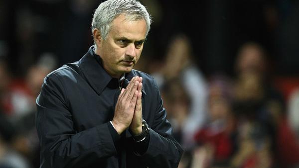 Mourinho tuyên bố xanh rờn trước đại chiến Chelsea vs MU