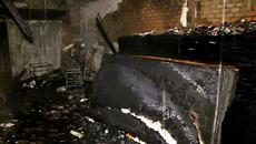 Cửa hàng bán quan tài phát hỏa, 4 người trong gia đình tử vong