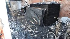 Vụ cháy trại hòm 4 người chết: Người thân ngã quỵ trước hiện trường