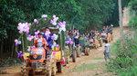 Chú rể Nghệ An bỏ ô tô thuê 6 chiếc máy cày rước dâu