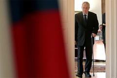 Tổng thống Czech đùa là đặc vụ của Nga, Mỹ