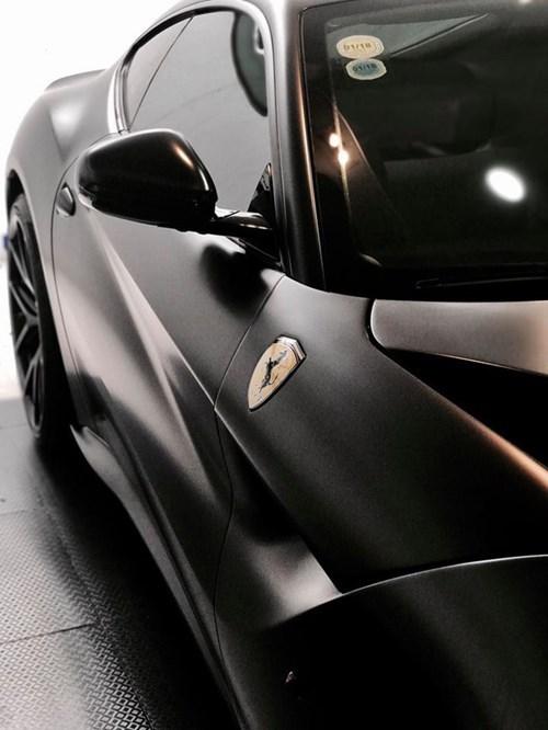 """Cường Đô la thay áo đen nhám cho siêu xe Ferrari F12 Berlinetta """"hàng độc"""""""