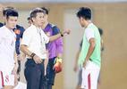 HLV trưởng xuống nước, sao trẻ V-League lên U20 Việt Nam… 10 ngày