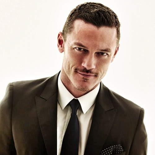 Luke Evans, The Girl on the Train, Fast and Furious, Beauty and the Beast, sao nam đồng tính