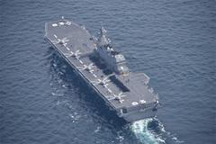 Xem tàu chiến lớn nhất được Nhật phái tới Biển Đông