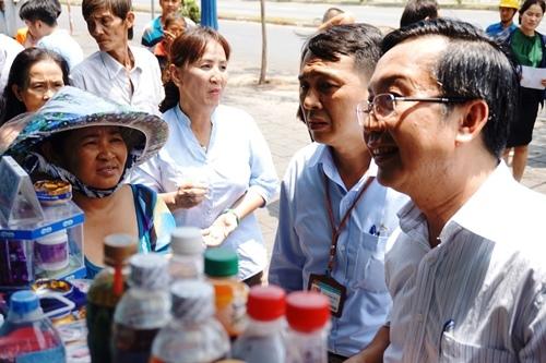 TPHCM, chủ tịch quận 1, quận 1, vỉa hè, Trần Thế Thuận, đối thoại, hàng rong