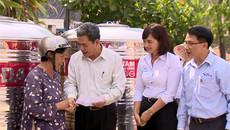 Tặng bồn nước Tân Á Đại Thành 1.500 hộ nghèo Tiền Giang