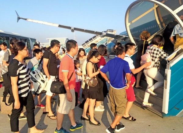giá vé máy bay, giá vé giờ cao điểm, bay giờ cao điểm, khung giá dịch vụ hàng không