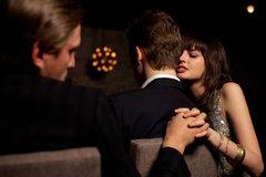 'Tự thú' của người vợ yêu chồng nhưng vẫn thích ngoại tình