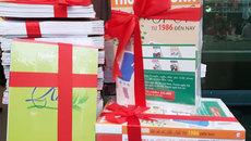 Hội sách Mùa Xuân gây tò mò khi bán sách theo combo