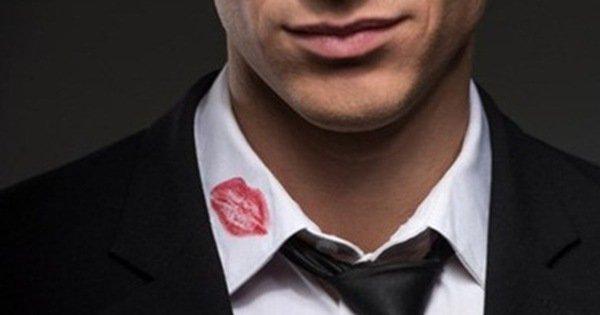 Sự thật đau lòng về vết son nguệch ngoạc trên áo chồng