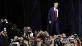 Ông Trump thề chống đến cùng phán quyết của tòa về sắc lệnh mới