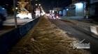 Giữa đêm CSGT ở Sài Gòn quét dầu nhớt tràn quốc lộ