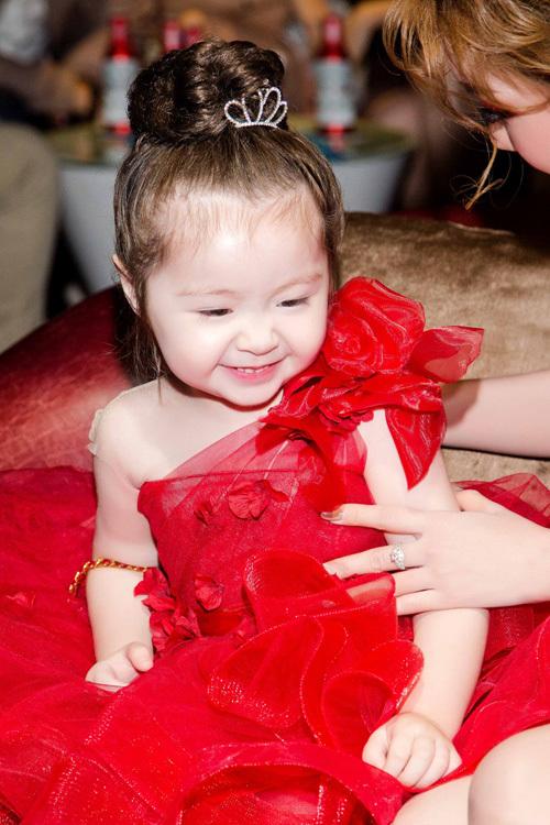 Elly Trần, con gái,