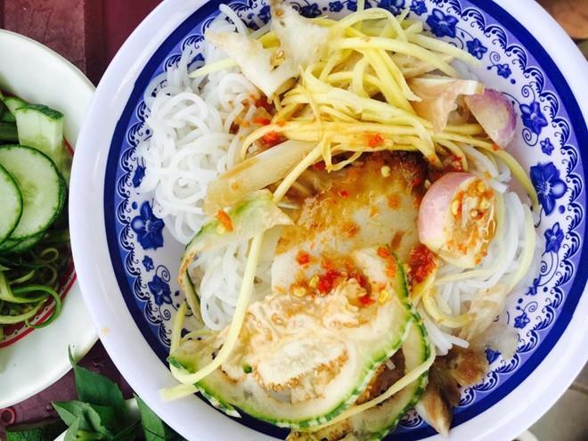 Đến Ninh Thuận thưởng thức bún mắm nêm đậm đà