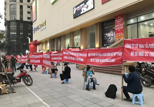 hồ gươm plaza,khu đô thị mỗ lao,biểu tình phản đối chủ đầu tư,phí dịch vụ chung cư,tranh chấp chung cư