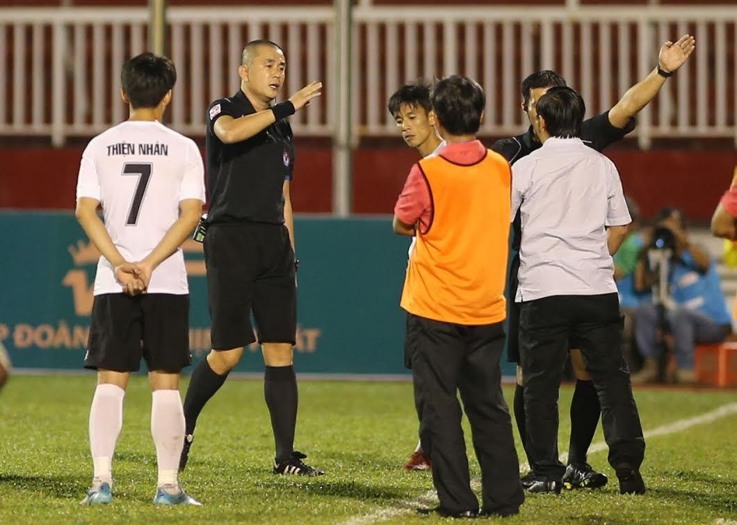 Nguyễn Văn Mùi, trọng tài Nguyễn Trọng Thư, V-League, VFF, VPF