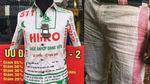 Bao tải cám lợn Việt Nam thành thời trang, đắt gấp 1.000 lần