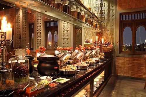 Tiệc buffet đẳng cấp hoàng gia tại Cham Charm